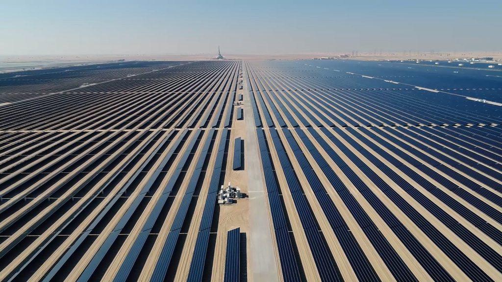 BMW da otro salto adelante con la energía solar
