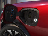 Ford patenta la cargar autos eléctricos remolcándolos