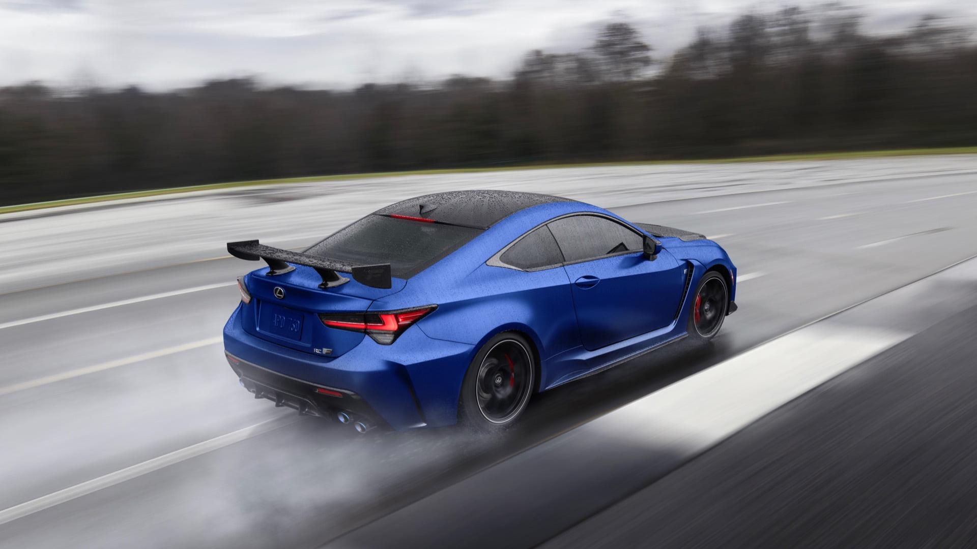 Lexus  2022